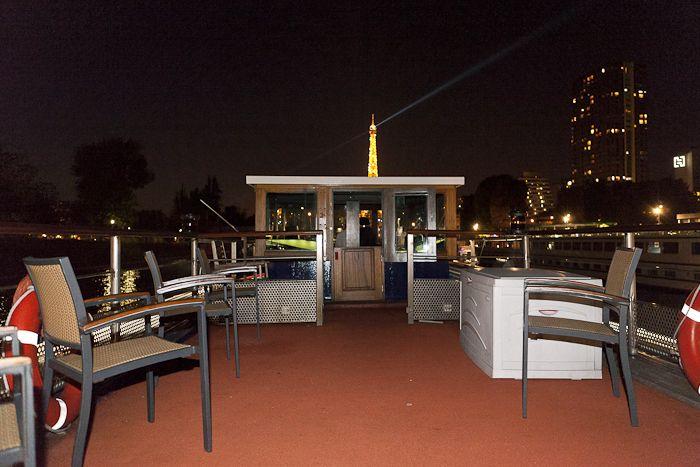 Bar original sur une p niche paris paris en sc ne - Boire une coupe de champagne enceinte ...