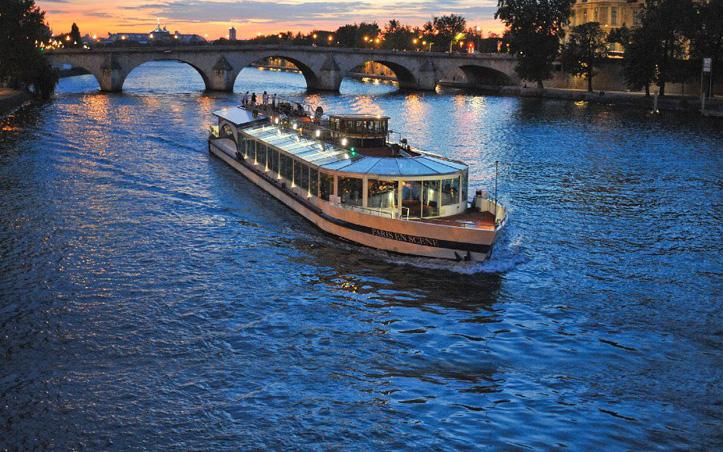 Restaurant Paris Diner Croisiere Sur La Seine 39 Paris